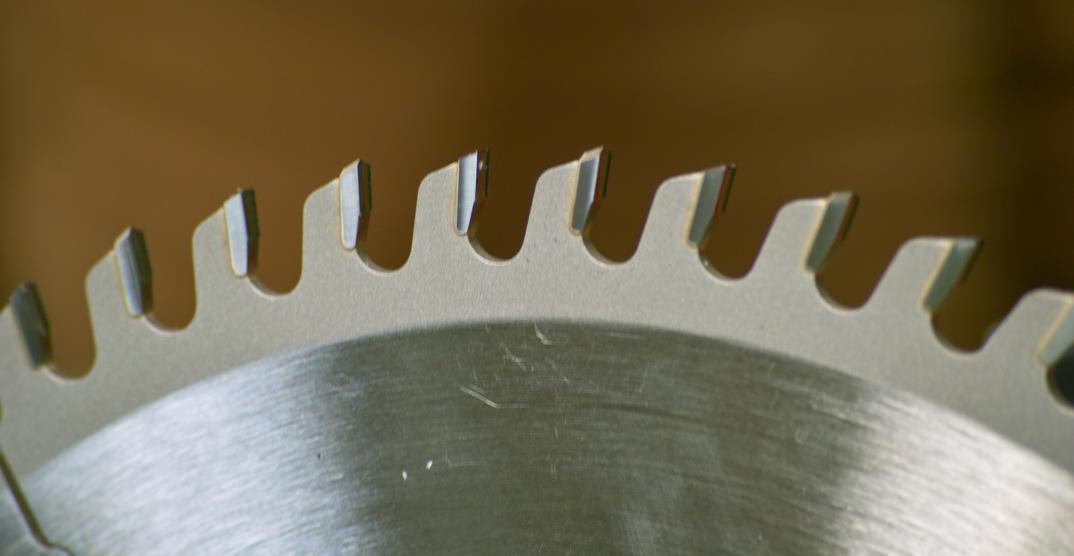 Zuschnitt von PP-Platten mittels Kreissäge