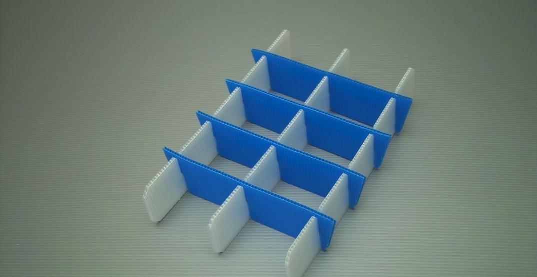 Individuell au Maß gefertigtes Gefache aus PP-Platten Transportschutz Polypropylenplatten