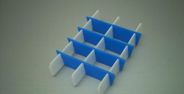 Individuell gefertigtes Gefache aus PP-Platten Transportschutz Polypropylenplatten