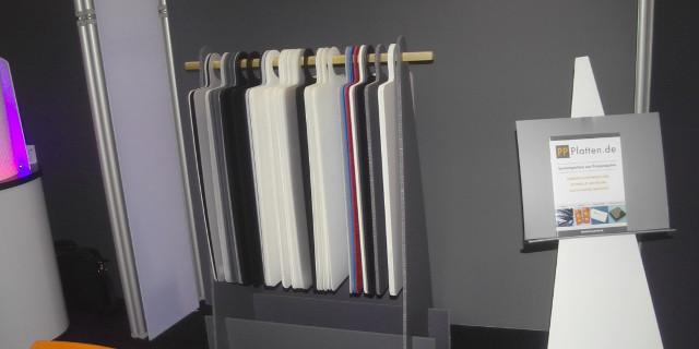 Ständer für Muster und Prospektständer aus PP-Platten Konstruktionen aus Polypropylenplatten
