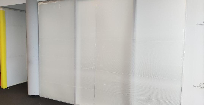 Schutz von Wandflaechen auf einer Baustelle mit PP-