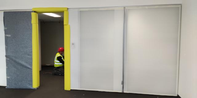 Wände auf Baustellen vor Farbe und Kratzern schützen